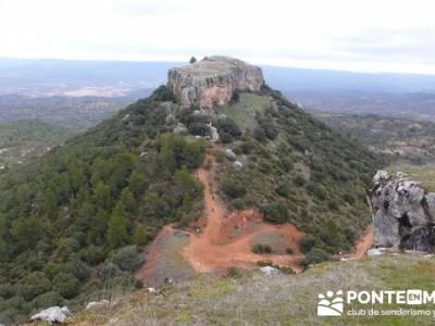 Senderismo Guadalajara - Monumento Natural Tetas de Viana. senderismo trekking; viajes puente san jo